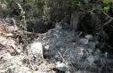 Yol çalışmasında mezarların tahrip edildiği...