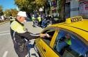 Taksiciler maskesiz yolcuların 'pes' dedirten...