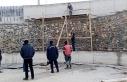9 metre yüksekten beton zemine düşen işçi ağır...