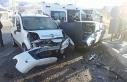 Çelikhan'da iki araç çarpıştı: 4 yaralı