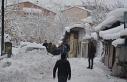 Hakkari'de 213 yerleşim yerinin yolu kapandı