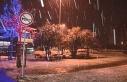 Sarıyer'de gece saatlerinde başlayan kar yağışı...