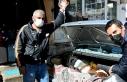 Hasta buzağı özel otomobille veterinere getirildi