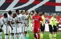 Süper Lig: Beşiktaş: 3 - Y. Denizlispor: 0 (İlk...
