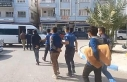 Çöp döküm alanında 16 kaçak göçmen yakalandı