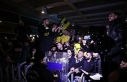 Fenerbahçeli taraftarlardan sarı-lacivertli takıma...