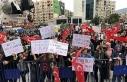 İzmir'de aşı karşıtları maske ve mesafe...