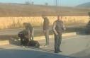 Servis minibüsünün çarptığı motosikletin sürücüsü...