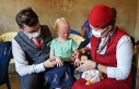 THY, güneşten saklanan albino hastası çocukların...