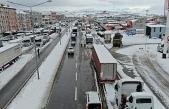 Bursa istikametine trafik 12 saat sonra kontrollü şekilde açıldı