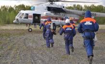 Rusya'da turistleri taşıyan helikopter düştü