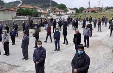 Evinde ölü bulanan üniversiteli Burak, toprağa verildi