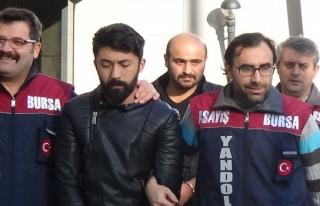 Bursa'da polisle işbirliği yapan kurnaz çift, dolandırıcıları...