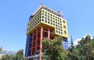 Kahramanmaraş'taki dünyanın en saçma binası...