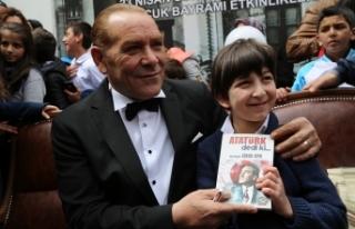 Atatürk'e benzeyen tiyatro sanatçısına yoğun...