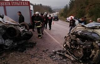 Düğün günü kaza: 2 ölü 8 yaralı