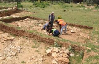 Beçin'deki yeni buluntular 700 yıl öncesine...