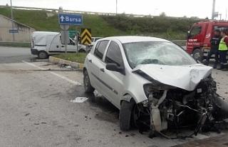 Bursa'da feci kaza : 1 ölü, 2 yaralı