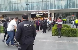 Bursa'da kız kavgası kanlı bitti!