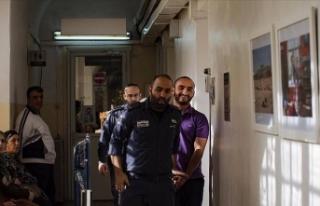 İsrail AA foto muhabirini sınır dışı etmeye...