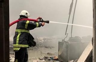 İznik'te soğuk hava deposunda yangın çıktı