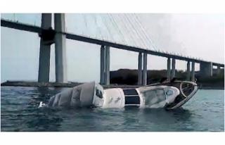 Rusya'da tekne battı