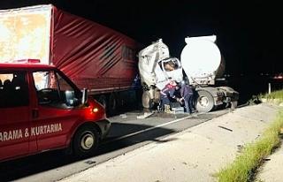Tır ile tanker çarpıştı: 1 ölü, 1 yaralı