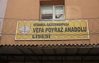 51 yıllık Vefa Poyraz Anadolu Lisesi depremde ağır...