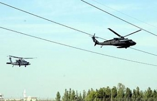 Akçakale'ye 2 ABD helikopteri geldi