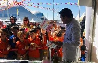 Bilim meraklıları 'Sen de yapabilirsin' festivalinde...