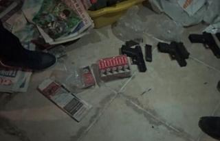 Eylem şüphelisi 22 teröriste gözaltı
