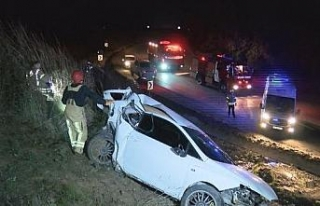 Yoldan çıkan otomobil 200 metrelik şarampole yuvarlandı:...
