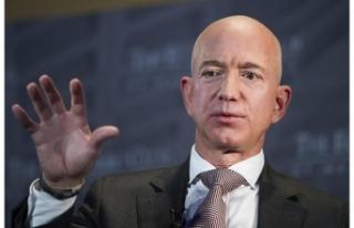 Jeff Bezos 'dünyanın en zengini' unvanını...