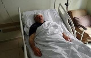 Kamyonet kapağının çarpmasıyla yaralandı, en...