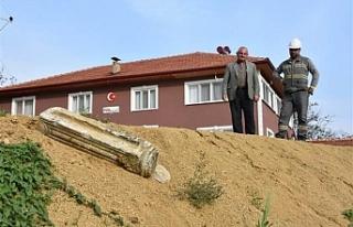 Kazı yapılırken sütun bulundu