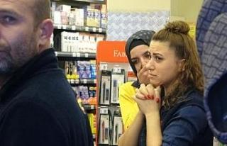 Maskeli hırsız, marketten 20 bin lira çaldı