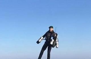 Roket adam İngiliz Donanmasına ait uçak gemisinde...
