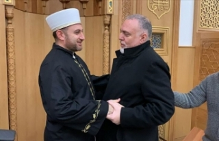 Camii'nde kelime-i şehadet getirerek Müslüman...