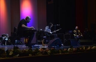 Bursa'da Taksim Trio rüzgarı