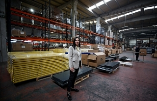 Bursa'daki çiftin raf sistemi 74 ülkeye satılıyor