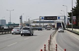 """Bursa'da caddeler dijital ekranlarda """"Evde..."""
