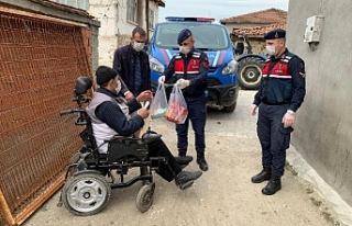 Jandarma ekipleri vatandaşın yardımına koştu