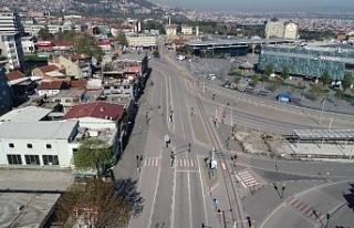 Bursa'da boş kalan yol ve meydanlar havadan...