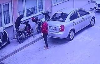 Motosiklet hırsızlığı böyle görüntülendi!