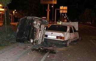 Kayseri'de iki otomobil çarpıştı: 3 yaralı