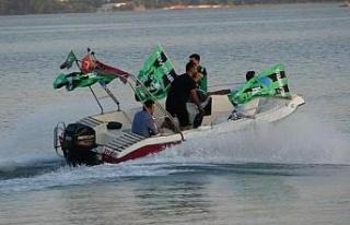 Kocaelispor'un şampiyonluğu denizde ve kentte...