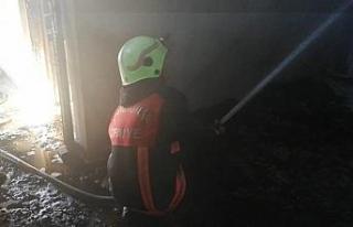 Ev yangını itfaiye tarafından söndürüldü