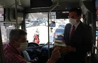 Bolu Valisi Ahmet Ümit, şehir içi otobüslerde...