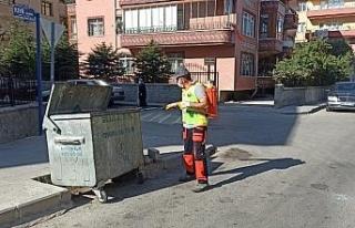 Gölbaşı Belediyesi ara sokaklar ve çöp konteynerlerini...