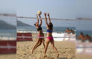 Plajda Avrupa Şampiyonası başladı